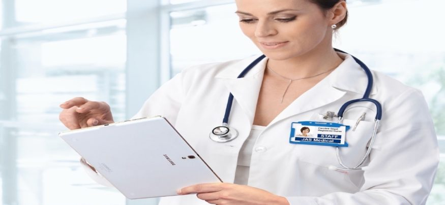 Technology in nursing is helping to ensure streamlining clinical communications, the improvement of quality of care, and enhancing patient engagement.